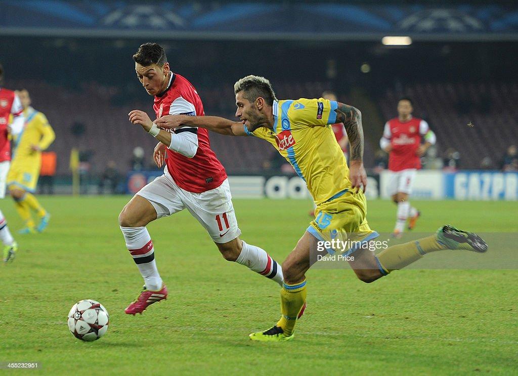 SSC Napoli v Arsenal - UEFA Champions League : News Photo