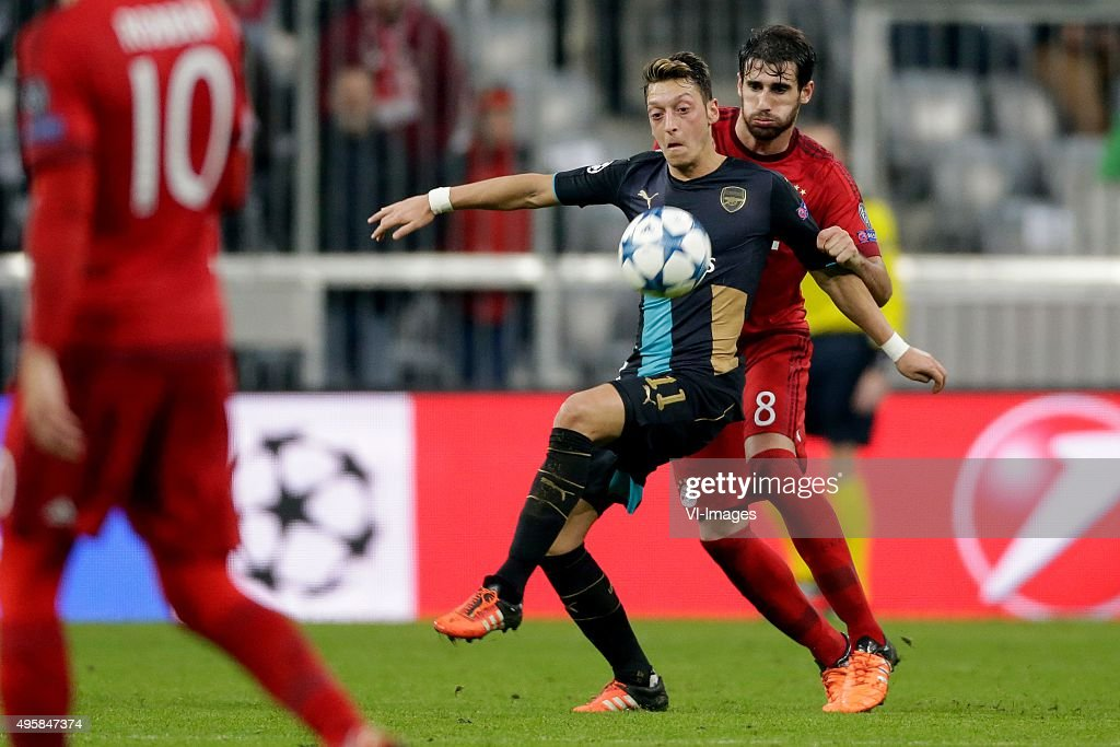 "UEFA Champions League - ""FC Bayern Munich v Arsenal"" : News Photo"
