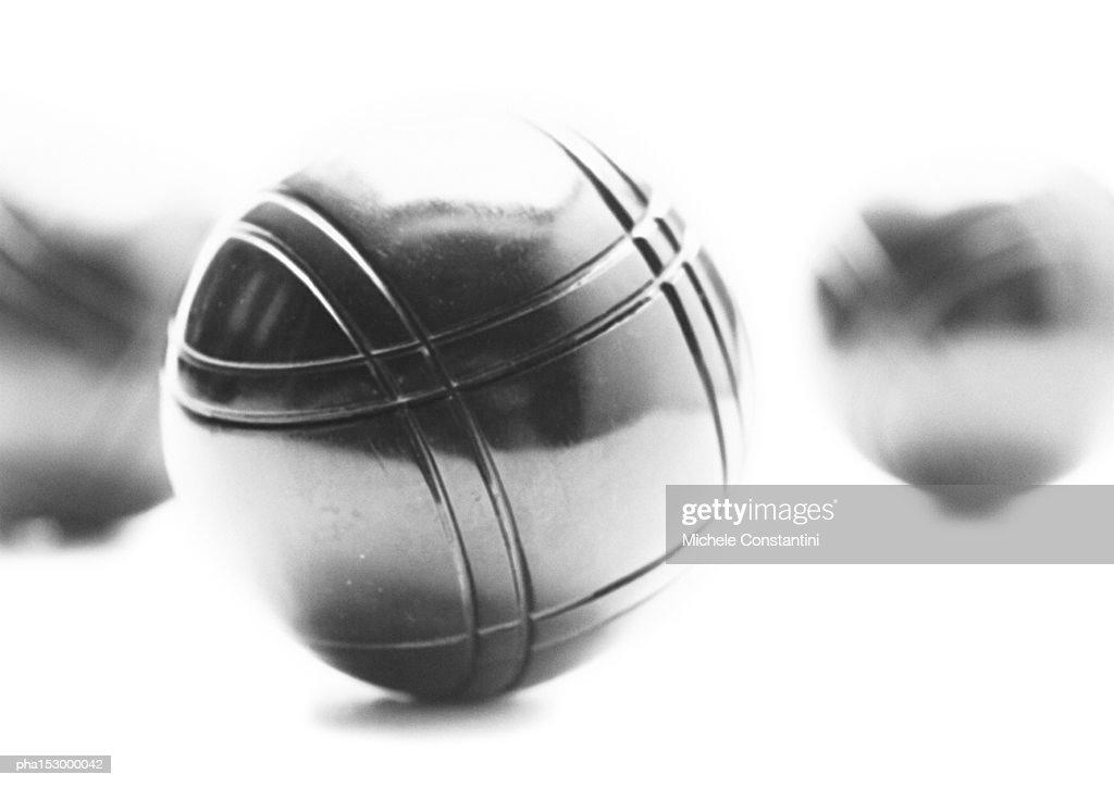 Metal bocce balls, b&w. : Foto de stock