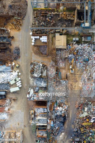 metal recycle yard, aerial view - waste management stock pictures, royalty-free photos & images