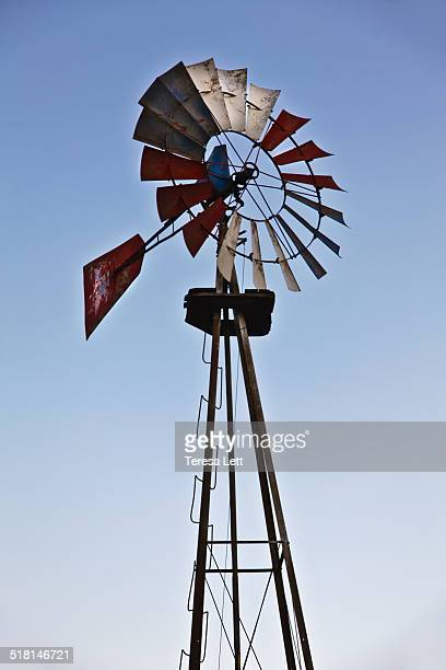 metal windmill - traditional windmill stock photos and pictures