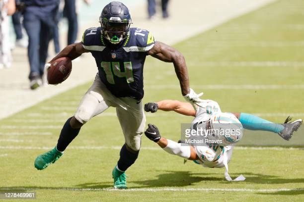 812 D K Metcalf Photos And Premium High Res Pictures Getty Images