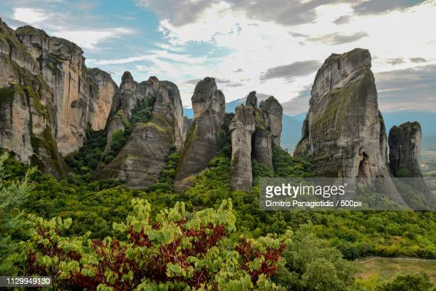 meteora 8 l - thessaly stock pictures, royalty-free photos & images