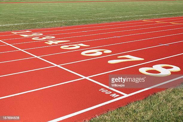 100 metros de largada em vermelho de oito pistas de corrida - oitava de final - fotografias e filmes do acervo