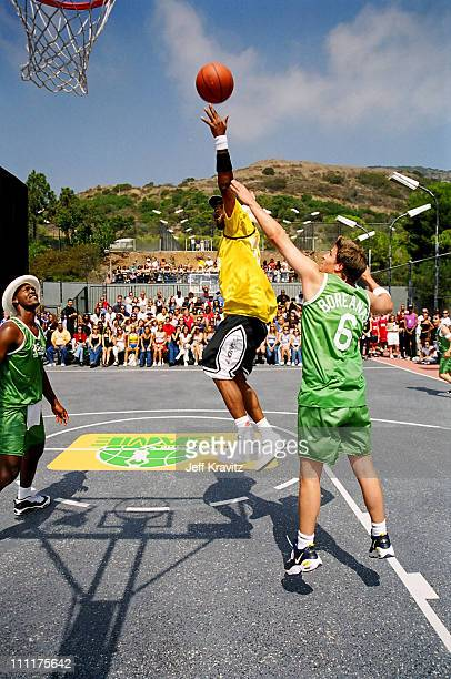 Method Man and David Boreanaz during 1998 MTV's Rock n' Jock Basketball in Los Angeles California United States