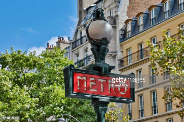 metro and lamp sign, paris - paris metro sign stock pictures, royalty-free photos & images