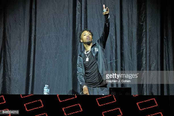 Metro Boomin performs at KFC YUM Center on September 16 2017 in Louisville Kentucky
