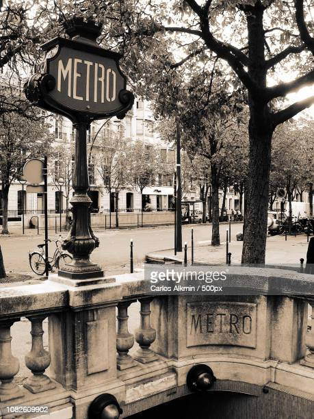Metro Franklin Roosevelt Vintage Sign - Paris - France