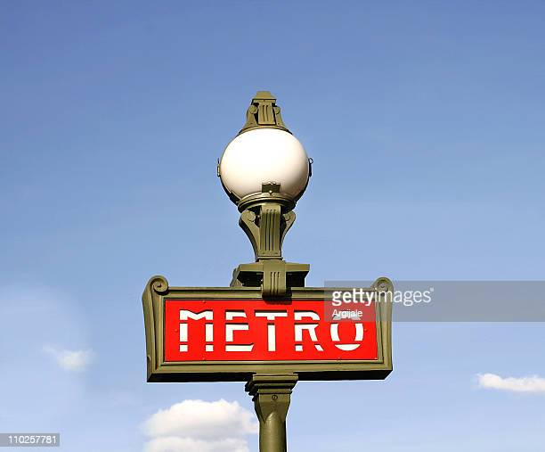 metro, paris - paris metro sign stock pictures, royalty-free photos & images
