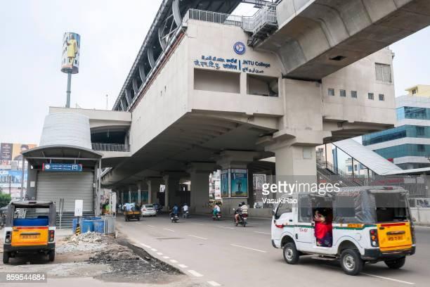 地下鉄の駅、ハイデラバード、インド - ハイデラバード ストックフォトと画像