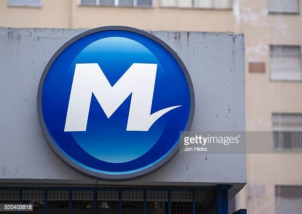 Metro Rio sign.