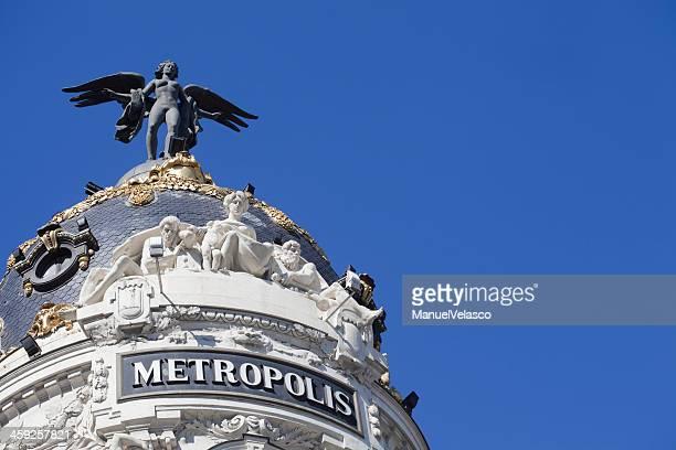 edificio metrópolis - gran via madrid fotografías e imágenes de stock