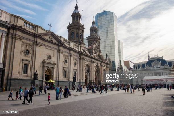 catedral metropolitana na plaza de armas, santiago, chile - santiago região metropolitana de santiago - fotografias e filmes do acervo