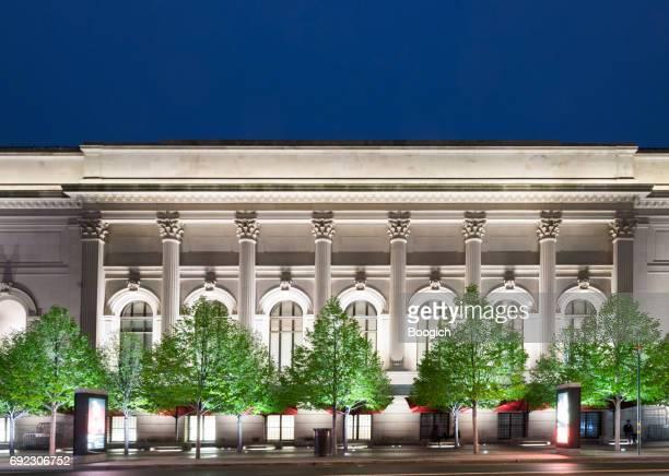 metropolitan museum of art nyc architecture nuit - met art gallery photos et images de collection