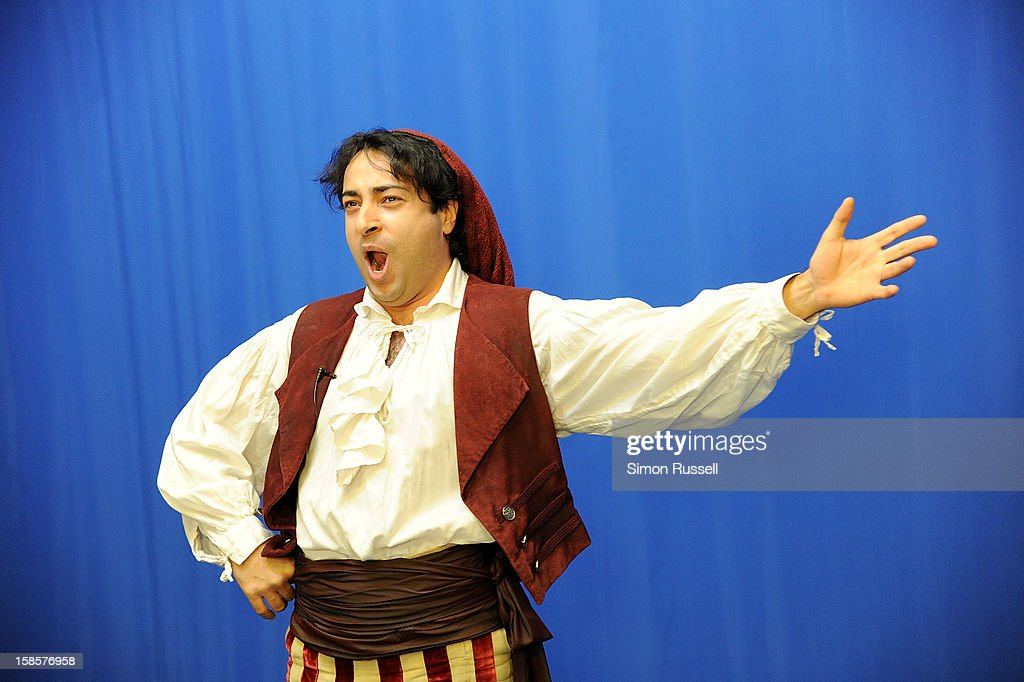 Metropolitan Opera star Rodion Pogossov performs 'The Barber Of Seville' at the Kravis Children's Hospital at Mount Sinai Medical Center on December 19, 2012 in New York City.
