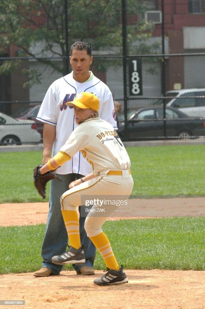 Ny Mets Outfielder Carlos Beltran Coaching Sammi Kane Kraft