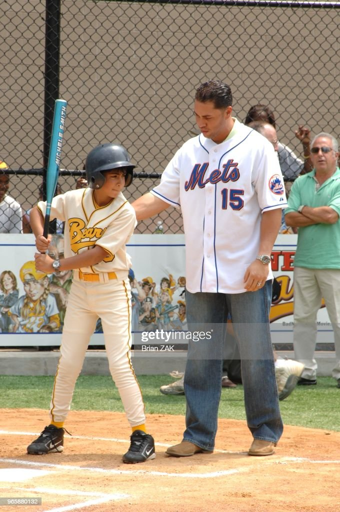 Ny Mets Outfielder Carlos Beltran Coaching Young Co Stars Of