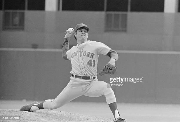 Met's pitcher Tom Seaver grimaces here as he makes a delivery during the 7th inning of baseball game Seaver allowed only two hits as the Mets beat...