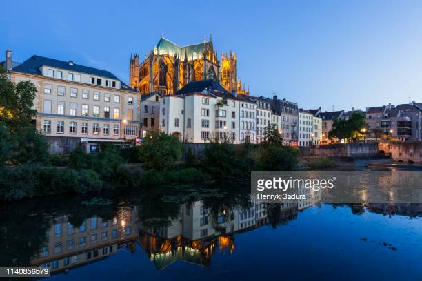 metz cathedral at sunset in france - moselle france stock pictures, royalty-free photos & images