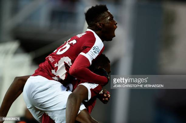 Metz' Senegalese midfielder Ismaila Sarr celebrates after scoring during the French L1 football match between Metz and Paris on April 18 2017 at...