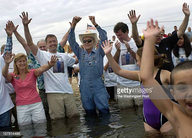 {ME/wadein} DATE {June} {11} {2006} CREDIT {Katherine Frey} / TWP {Broomes Island} {MD} Bernie Fowler center with politicians from left State...