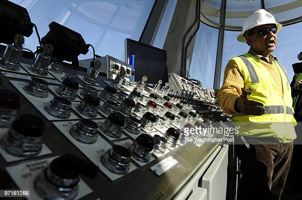 Me/wwbridge DATE: October 30, 2008 NEG: 204538 CREDIT: Ricky Carioti / TWP Alexandria, Va. We take a tour of the Woodrow Wilson Bridge as it nears...