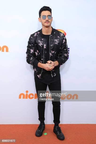 Mexican actor Alex Speitzer poses for pictures during the Kids Choice Awards Mexico 2017 Orange Carpet at Auditorio Nacional on August 19 2017 in...