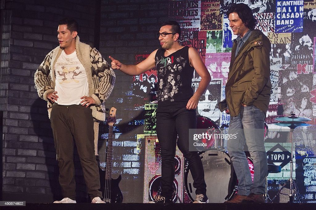 Christian Chavez Performs in No me Puedo Levantar The Musical : News Photo