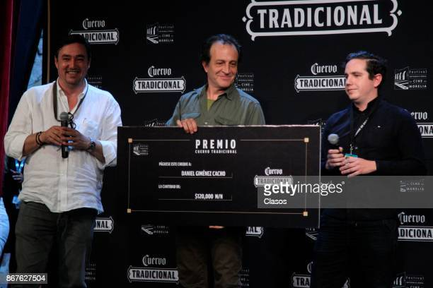 Mexican actor Daniel Gimenez Cacho receives the 'Cuervo Tradicional' award during the XV Morelia International Film Festival on October 27 2017 in...