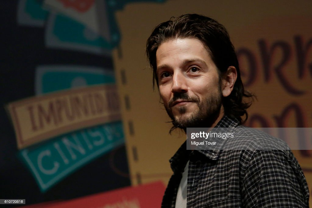 Diego Luna Presents The New Book El Corrupcionario Mexicano : News Photo
