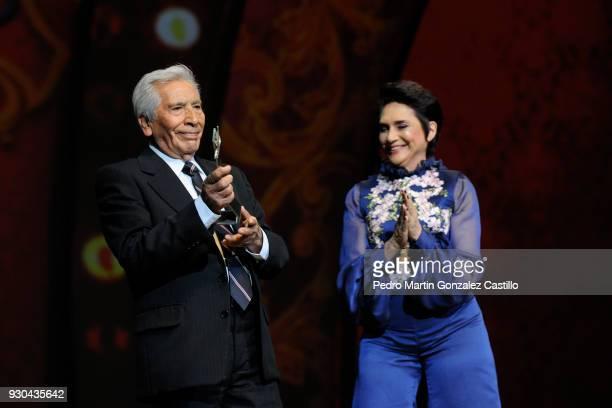 Mexican actor José Carlos Ruiz receives the Mayahuel award for the Mexican career path from the actress Ofelia Medina as part of Guadalajara...