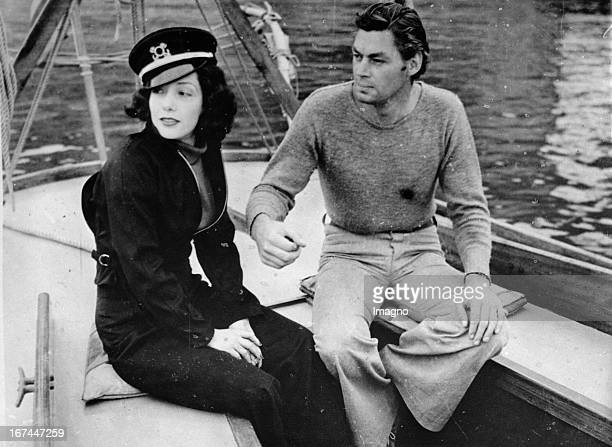 Mexican actress Lupe Vélez and the actor Johnny Weissmüller 1935 Photograph Die mexikanische Schauspielerin Lupe Vélez und der Schauspieler Johnny...