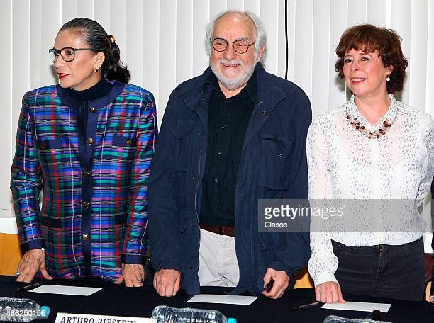 Mexican actress Patricia Reyes Spindola Director Arturo Ripstein Mexican screenwriter Paz Alicia Garciadiego pose for pictures during 'La Calle de la...