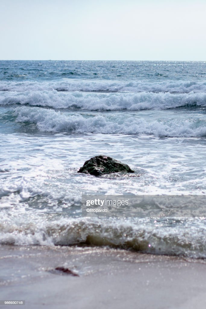 Mexican Beach And Waves Crashing In Stock Photo - Getty Images