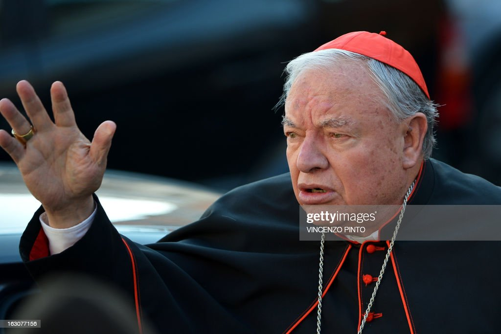 VATICAN-POPE-CONCLAVE-MEETING-CARDINALS : News Photo