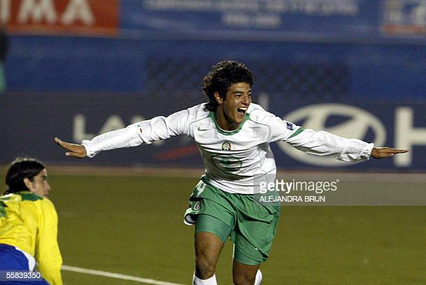 Mexican Carlos Vela celebrates his goal against Brazil during their FIFA U17 final match in Lima 02 October 2005 AFP PHOTO/Alejandra BRUN
