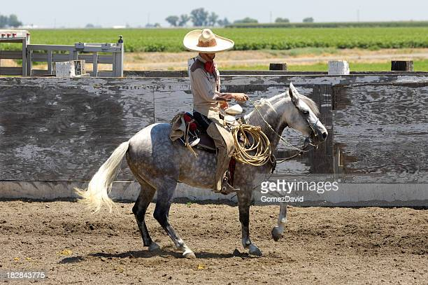 Mexicana en la Rural región de Rodeo vaquero de Arena