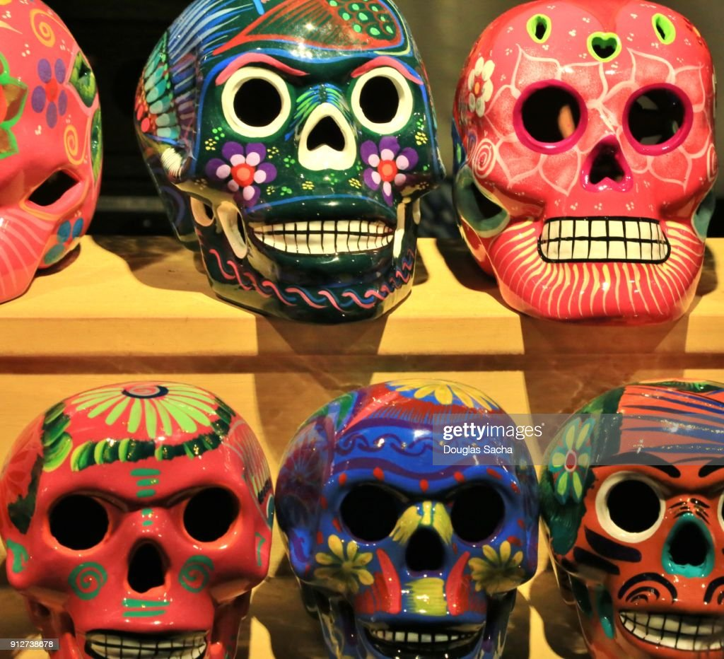 Mexican Day of the Dead shrine of remembrance (Dia de Muertos) : Stock Photo