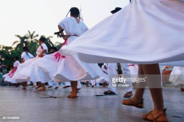 mexican folk dancers performing - ゲレーロ州 ストックフォトと画像