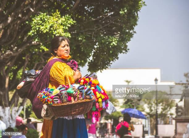 san miguel de allende, guanajuato / mexico - 06 27 2017: mexican indigenous woman with... - gangaur stock pictures, royalty-free photos & images