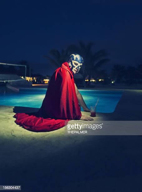 メキシコ luchador プールサイド - プロレス ストックフォトと画像