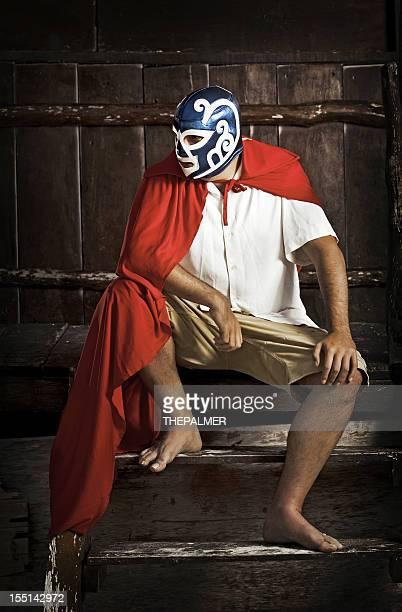 Mexikanische luchador denkt nach über seine nächsten Spiel