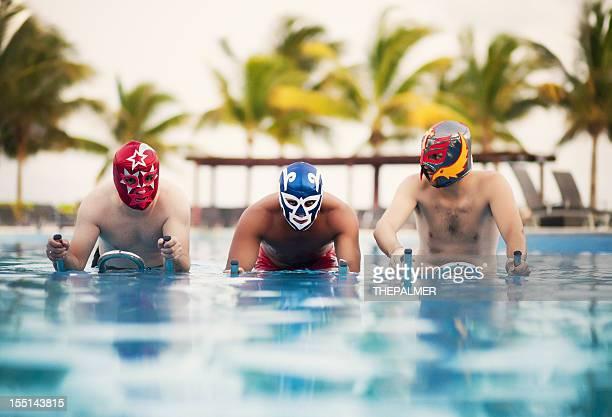 メキシコ luchadores bootcamp トレーニング - プロレス ストックフォトと画像