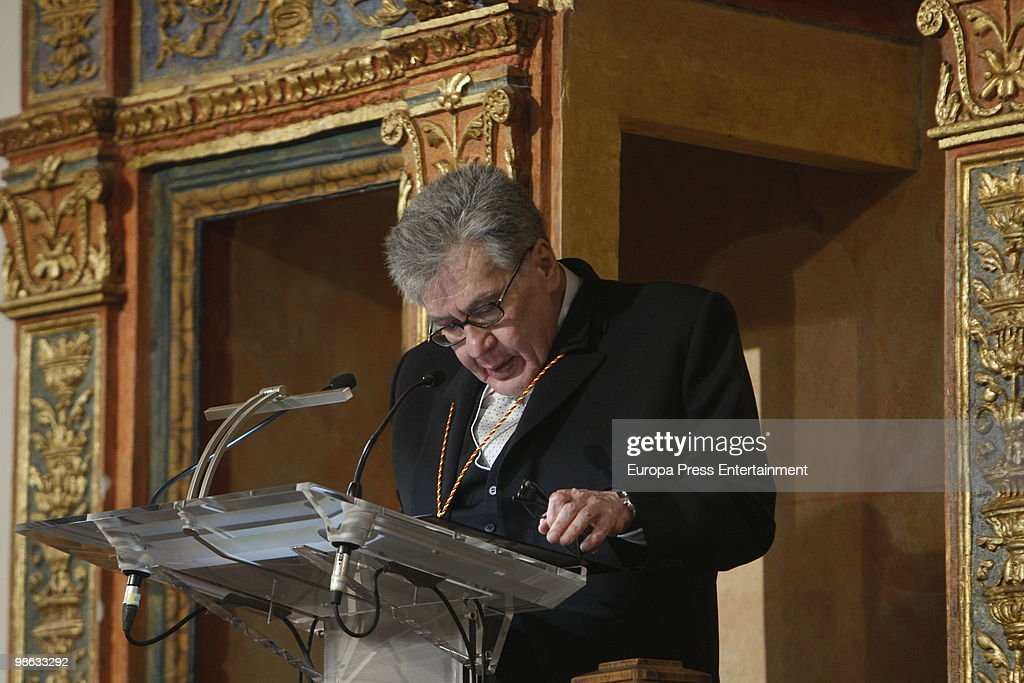Mexican novelist Jose Emilio Pacheco Berny speaks as he receives the Miguel de Cervantes Award during the Cervantes Prize ceremony at Alcala de Henares University on April 23, 2010 in Madrid, Spain. The 'Miguel Cervantes Award' is considered the most important award in Spanish literature.
