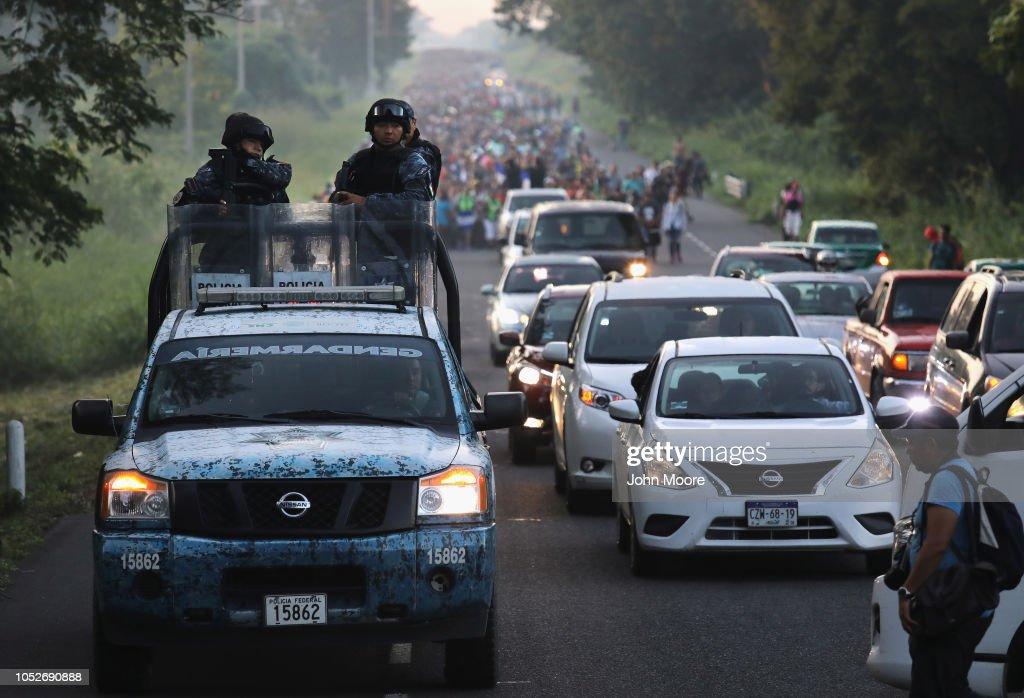Migrant Caravan Crosses Into Mexico : News Photo
