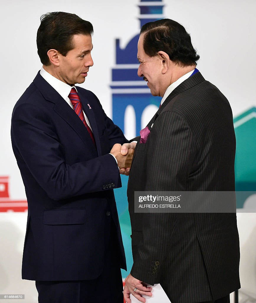 Mexican President Enrique Pena Nieto And The Ceo Of The Mexican