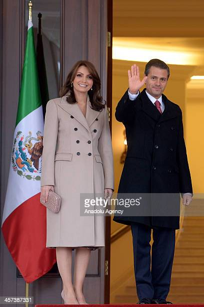 Mexican President Enrique Pena Nieto with his wife Angelica River at the Cankaya Palace during a welcoming ceremony on December 17, 2013 in Ankara,...
