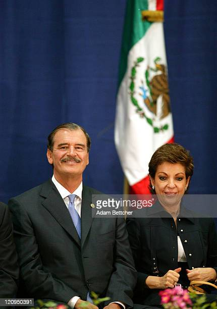 Mexican President Vicente Fox and his wife Marta visit Cesar Chavez Academy in St Paul Minnesota on Friday June 18 2004 During his visit Fox...