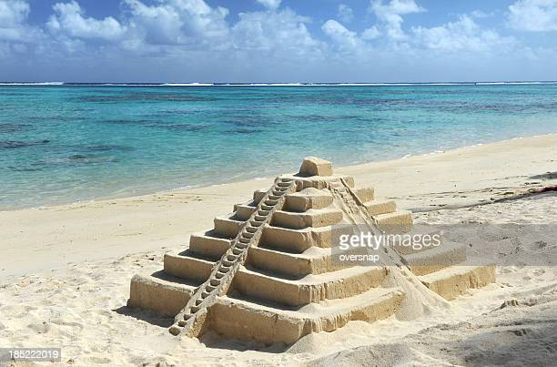 mexican sandcastle - kukulkan pyramid stock photos and pictures