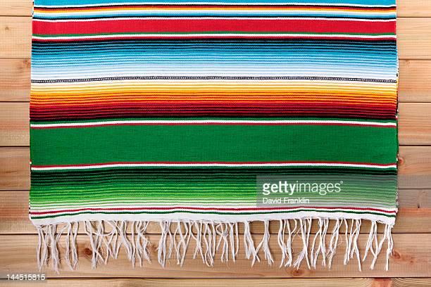 mexican serape blanket - cultura mexicana fotografías e imágenes de stock